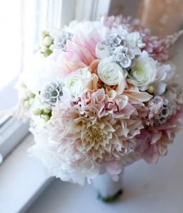 Hoa cưới đẹp, cách chọn hoa cưới, giữ hoa cưới tươi lâu, cách cầm hoa cưới