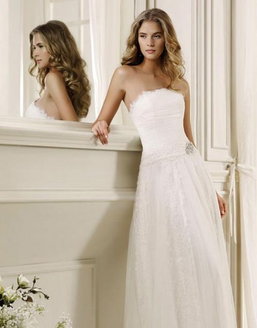 váy cưới giá rẻ, thuê áo cưới giá rẻ