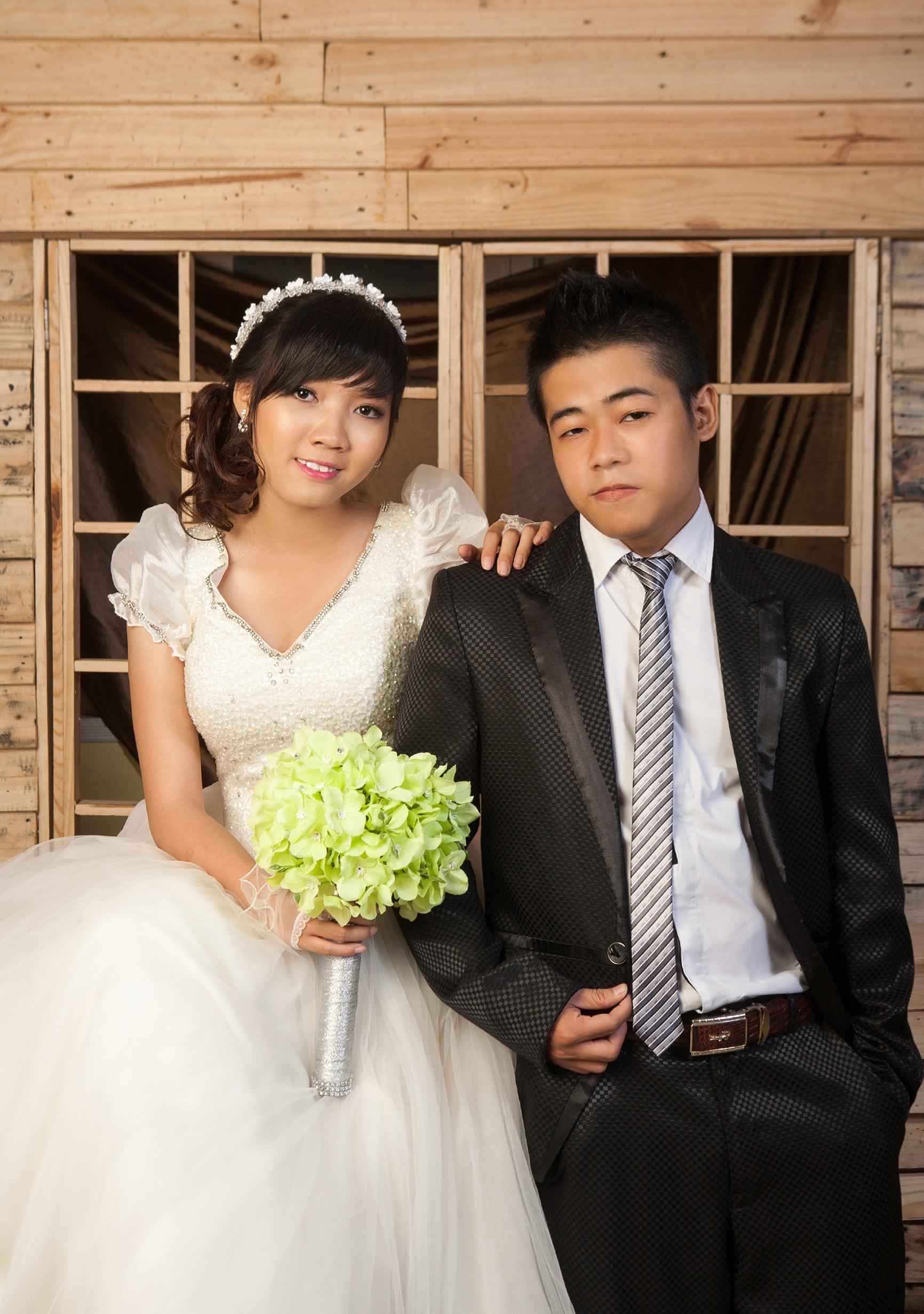 thiệp cưới bắt mắt