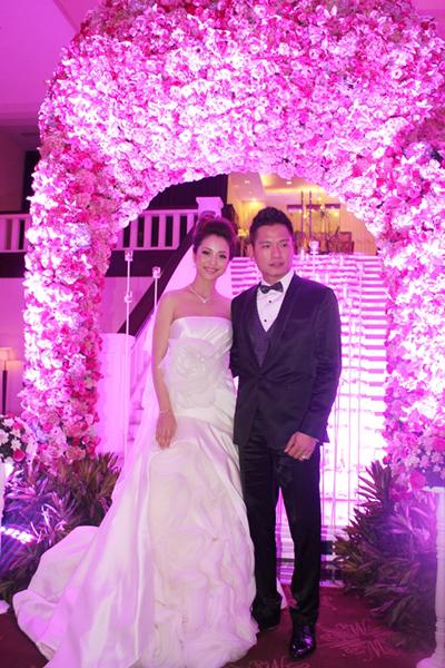 Tin tức cưới hỏi: đám cưới khủng của Jennifer Phạm