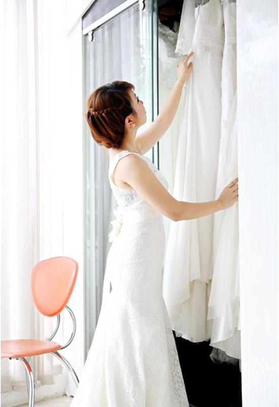 Cách bảo quản áo cưới váy cưới - studio ao cuoi gia re Honeys Bridal