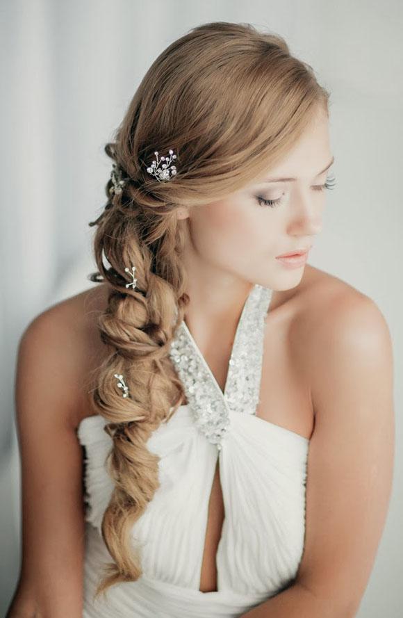 Những kiểu tóc, mẫu tóc đẹp dành cho cô dâu tóc dài