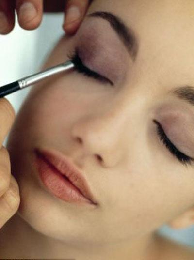 Trang điểm mắt cô dâu đẹp, trang điểm màu mắt khói, trang điểm cô dâu tại nhà ở tphcm, làm tóc cô dâu đẹp