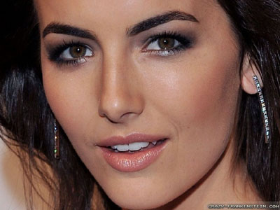 Dịch vụ trang điểm cô dâu đẹp giá rẻ tại tphcm, trang điểm viền mắt cô dâu đẹp