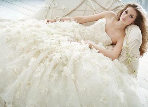 váy cưới, váy cưới màu trắng, ý nghĩa váy cưới