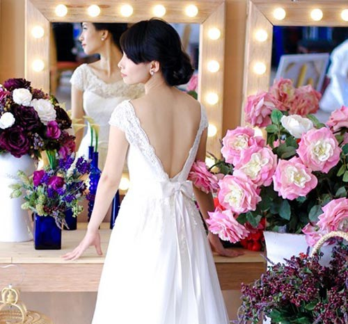 áo cưới lưng xẻ hình chữ a, ao cuoi dep